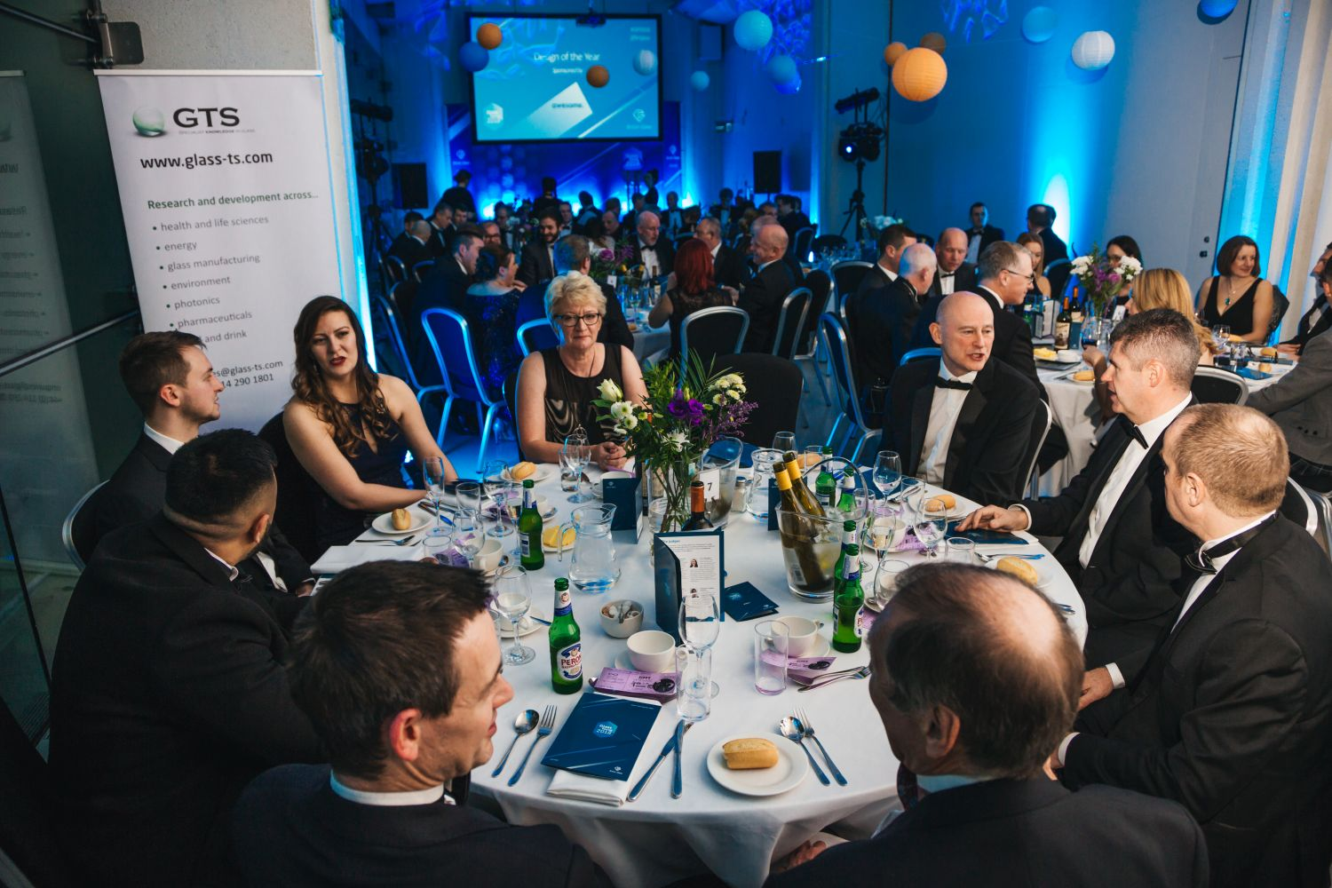 Representatives of Allied Glass, AMETEK Land, Calumite Limited and Arco Safety enjoy the awards dinner