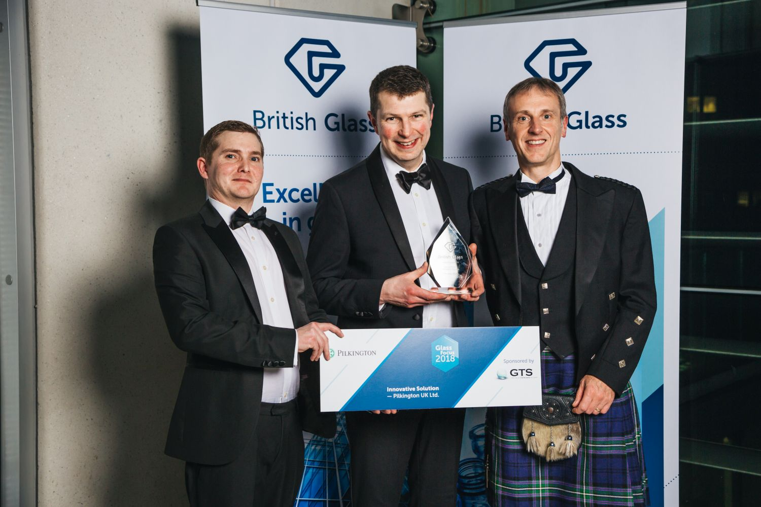 Innovative Solution winner Pilkington UK. with Phillip Marsh of Glass Technology Services Ltd.