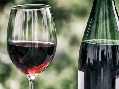 British Glass has responded to a feature on BBC One's Morning Live that featured a paper bottle in the wine market