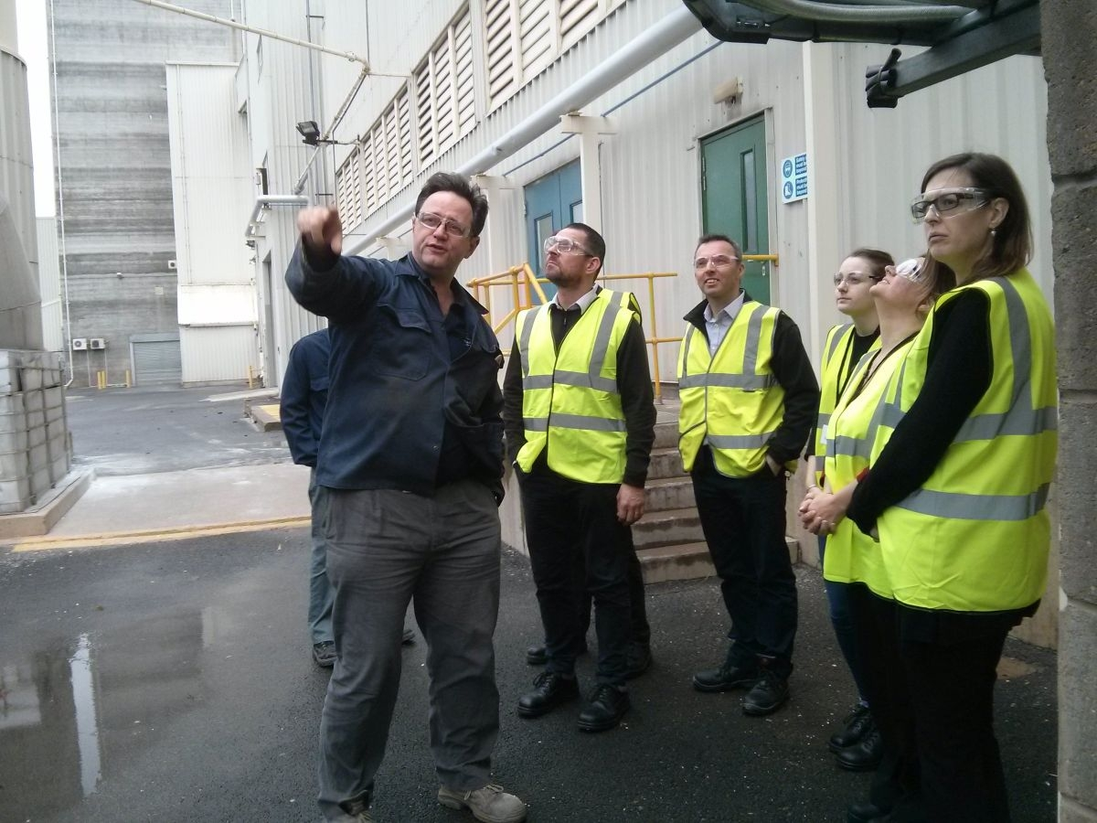 British Glass and it's member Guardian, give DEFRA a glass factory tour